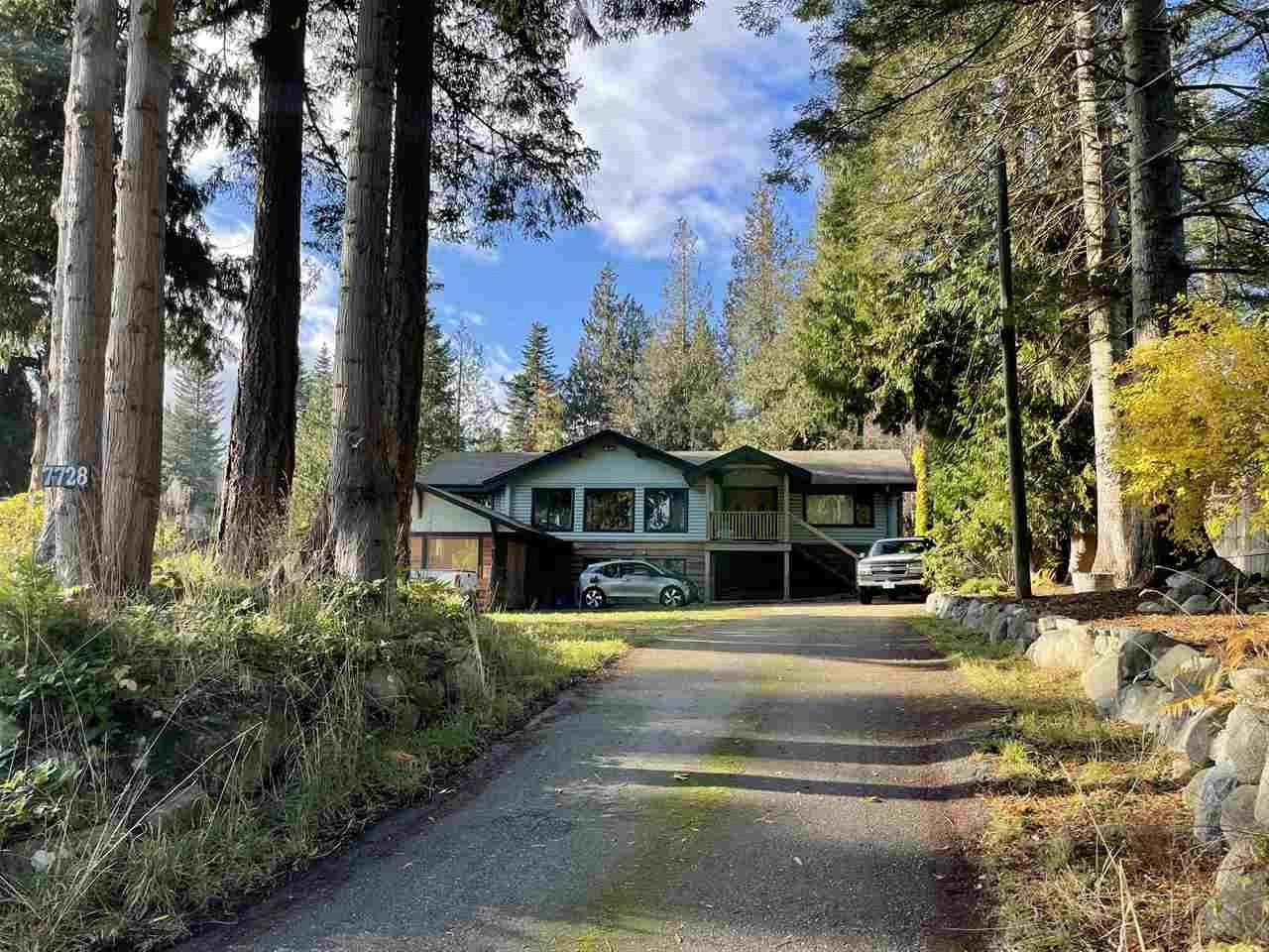 "Main Photo: 7728 REDROOFFS Road in Halfmoon Bay: Halfmn Bay Secret Cv Redroofs House for sale in ""Redrooffs"" (Sunshine Coast)  : MLS®# R2513437"