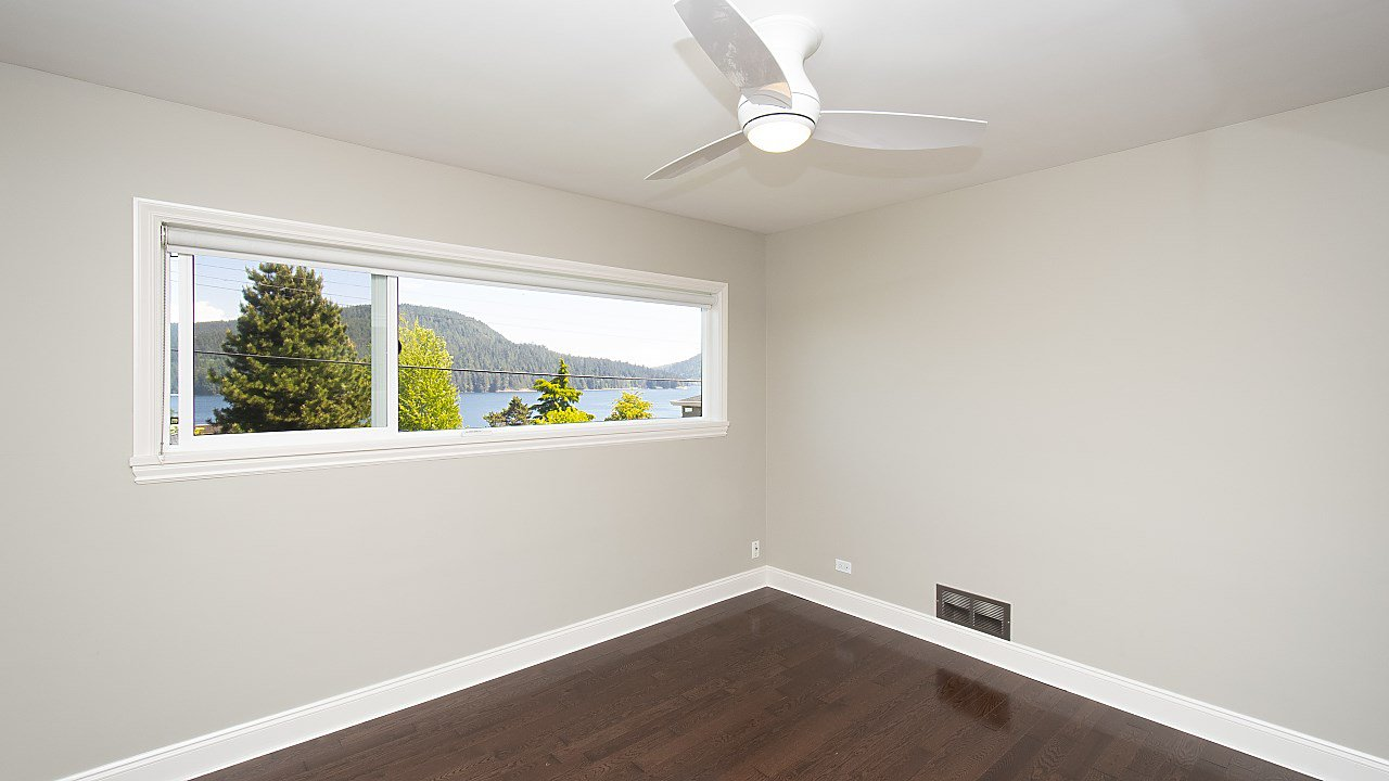 Photo 7: Photos: 665 BEACHVIEW Drive in North Vancouver: Dollarton House for sale : MLS®# R2391312