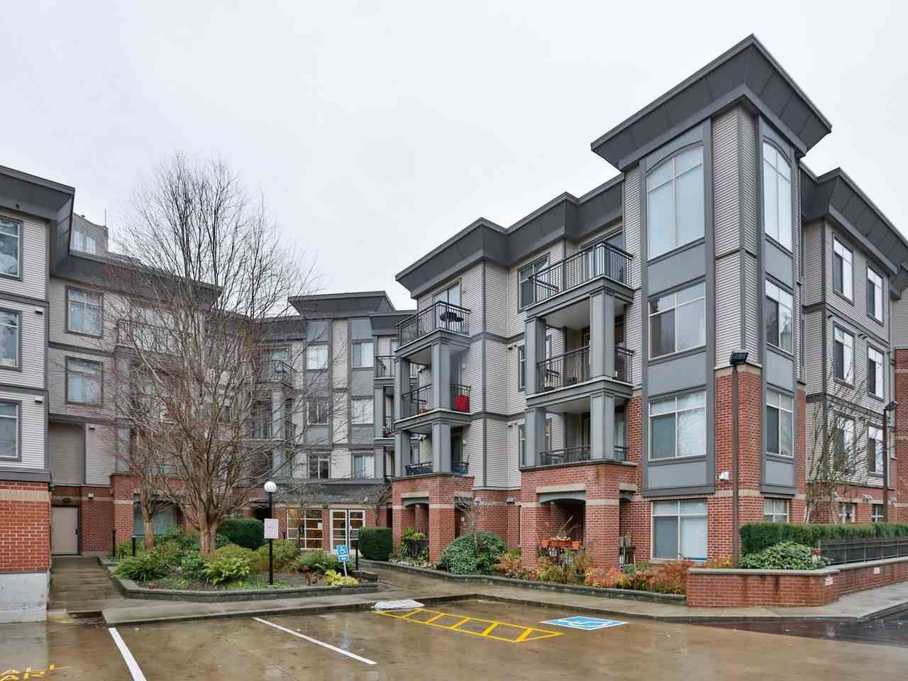 """Main Photo: 303 10499 UNIVERSITY Drive in Surrey: Whalley Condo for sale in """"D'COR"""" (North Surrey)  : MLS®# R2425064"""