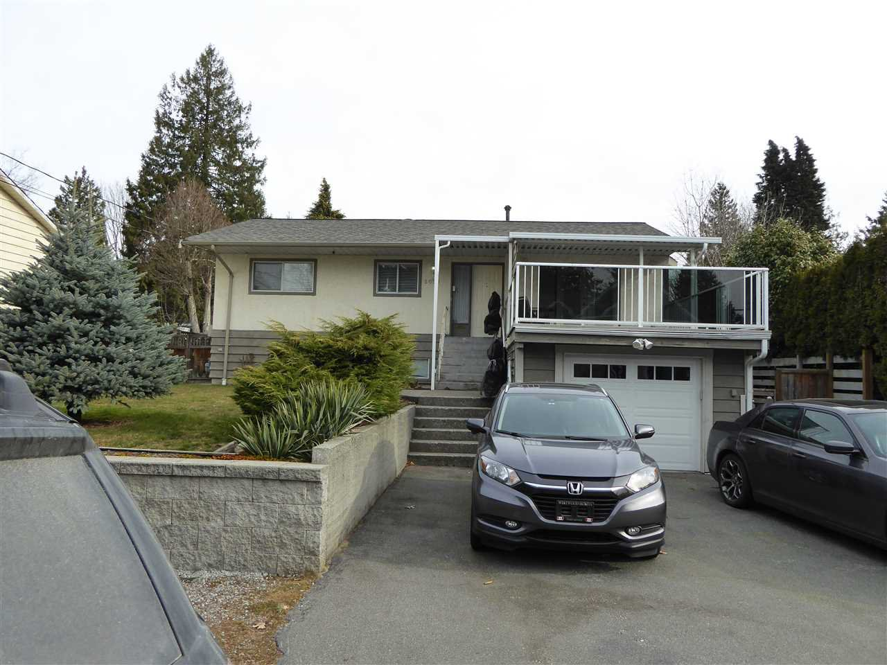 Main Photo: 2093 CONCORD Avenue in Coquitlam: Cape Horn House for sale : MLS®# R2446348