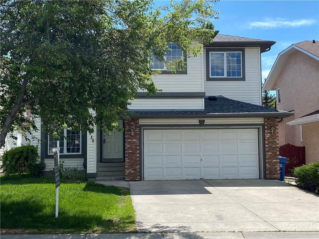 Main Photo: 240 RIVERVIEW Close SE in Calgary: Riverbend Detached for sale : MLS®# A1035340