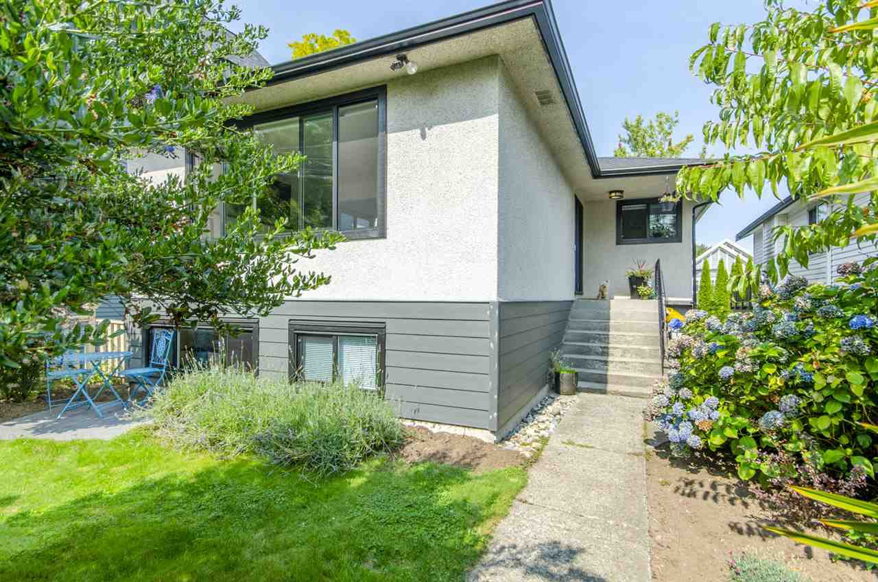 Main Photo: 1929 E GEORGIA Street in Vancouver: Hastings House for sale (Vancouver East)  : MLS®# R2501035