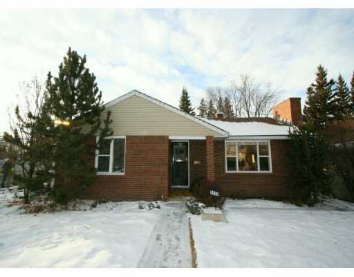 Main Photo:  in CALGARY: Richmond Park Knobhl Residential Detached Single Family for sale (Calgary)  : MLS®# C3244409