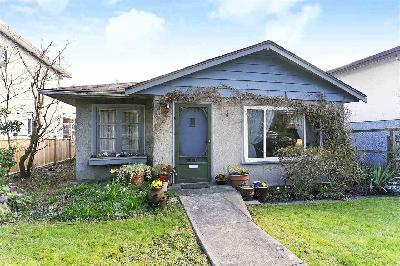 Main Photo: 5622 CULLODEN STREET in Vancouver: Knight House for sale (Vancouver East)  : MLS®# R2445617