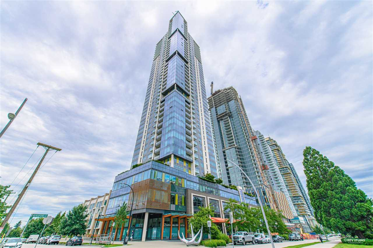 """Main Photo: 2509 6461 TELFORD Avenue in Burnaby: Metrotown Condo for sale in """"Metroplace"""" (Burnaby South)  : MLS®# R2478031"""