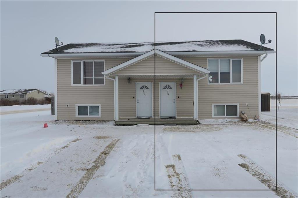 Main Photo: 126 Southwood Road in Morris: R17 Residential for sale : MLS®# 202029638
