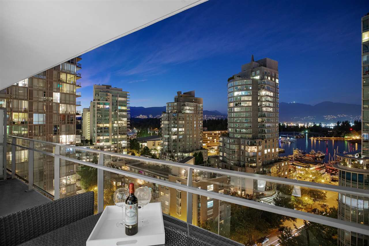 """Main Photo: 1202 1499 W PENDER Street in Vancouver: Coal Harbour Condo for sale in """"West Pender Street"""" (Vancouver West)  : MLS®# R2527425"""