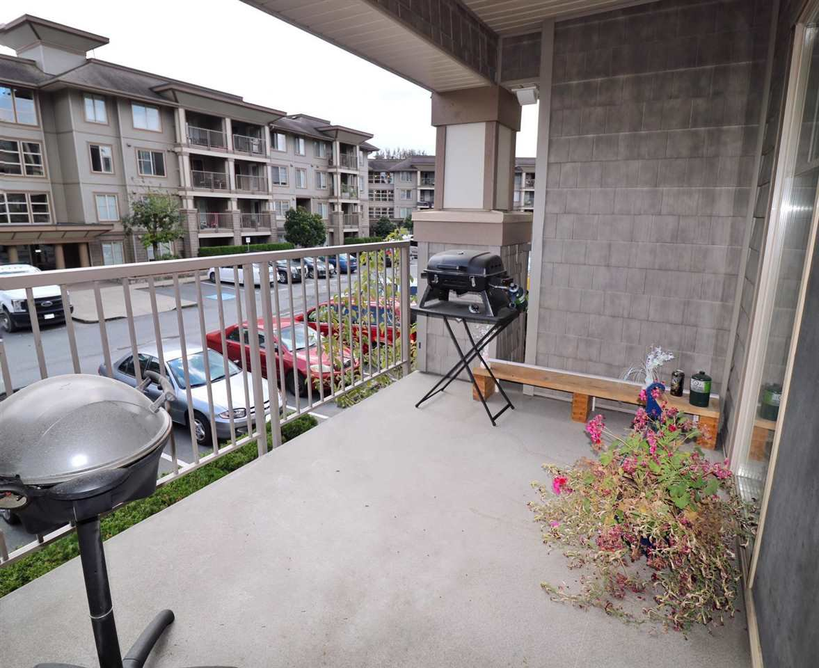 "Main Photo: 216 45567 YALE Road in Chilliwack: Chilliwack W Young-Well Condo for sale in ""THE VIBE"" : MLS®# R2392272"