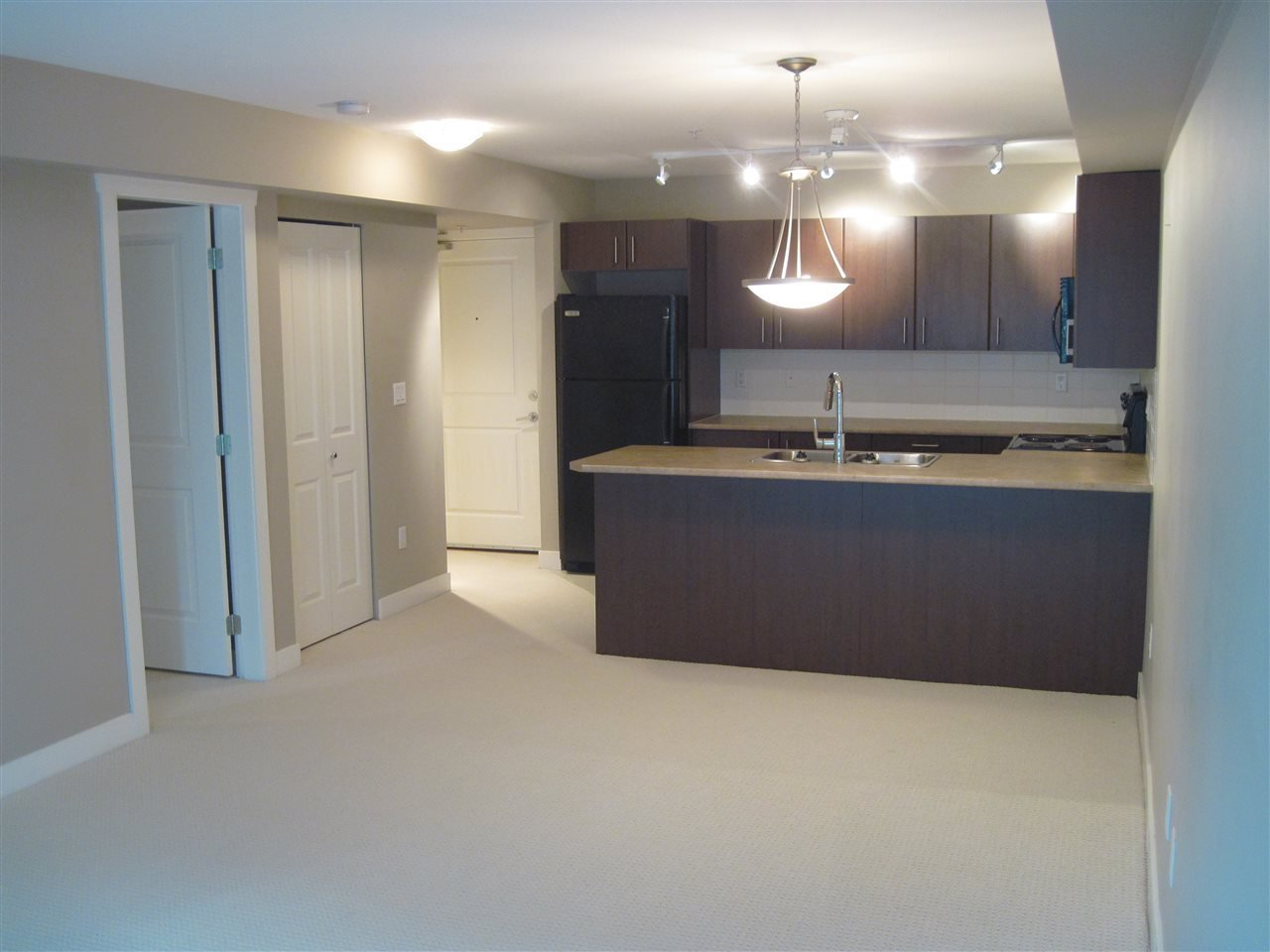 """Main Photo: 216 45567 YALE Road in Chilliwack: Chilliwack W Young-Well Condo for sale in """"THE VIBE"""" : MLS®# R2392272"""
