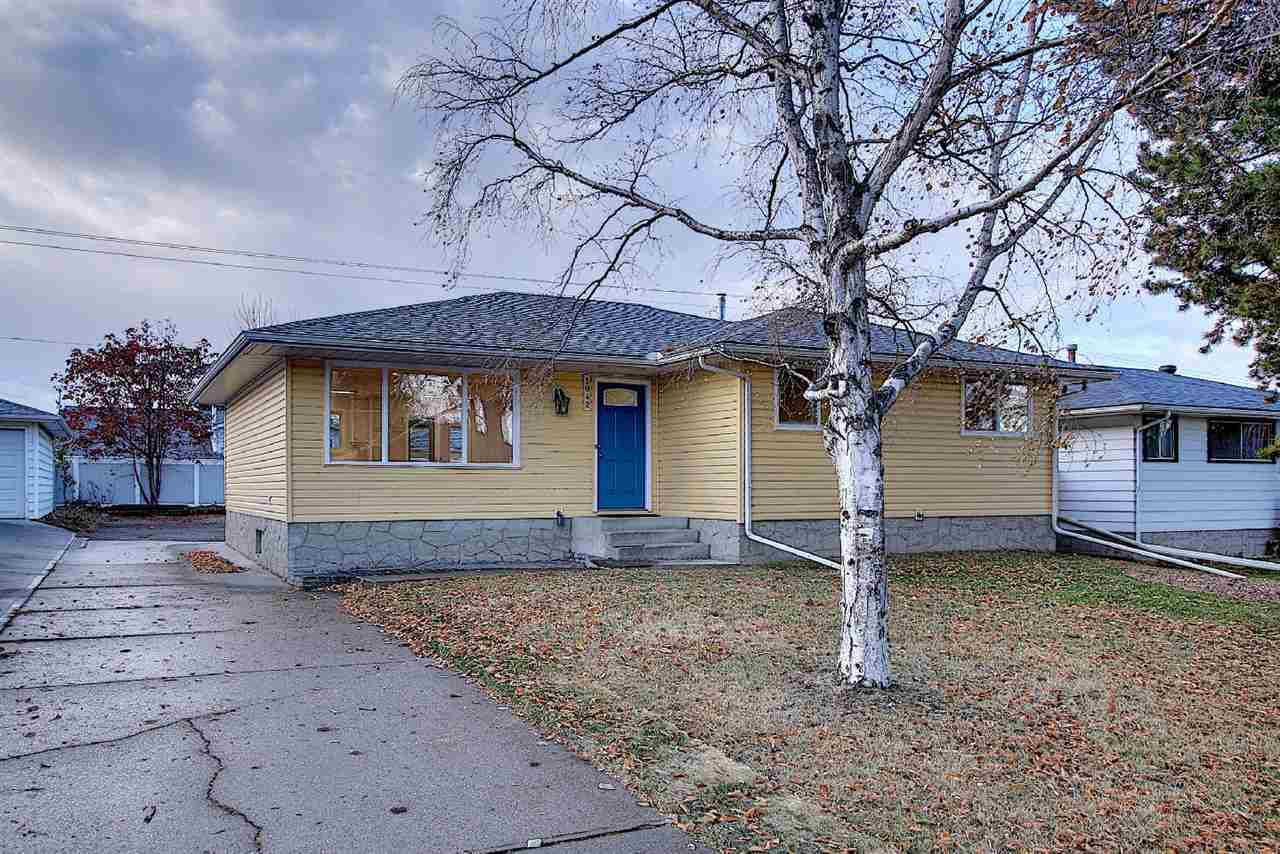 Main Photo: 1042 MOYER Drive: Sherwood Park House for sale : MLS®# E4219510