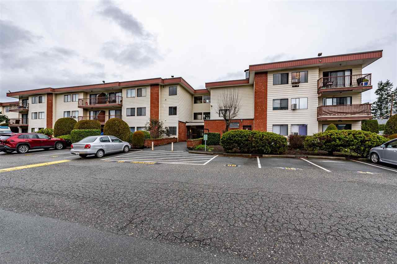 "Main Photo: 106 1909 SALTON Road in Abbotsford: Central Abbotsford Condo for sale in ""Forrest Village"" : MLS®# R2525527"