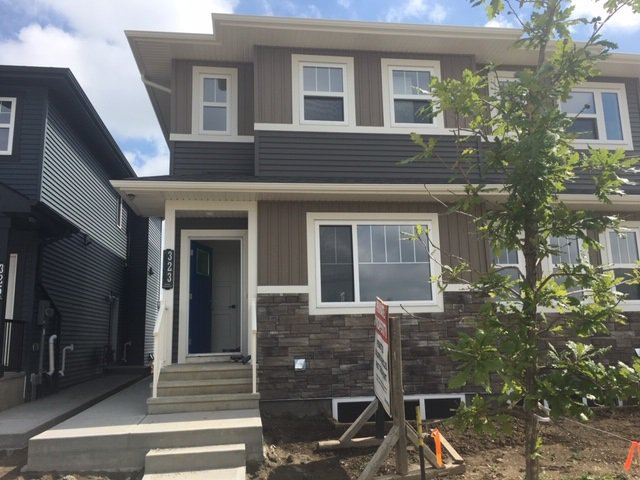 Main Photo: 323 Orchards Boulevard in Edmonton: Zone 53 House Half Duplex for sale : MLS®# E4168128