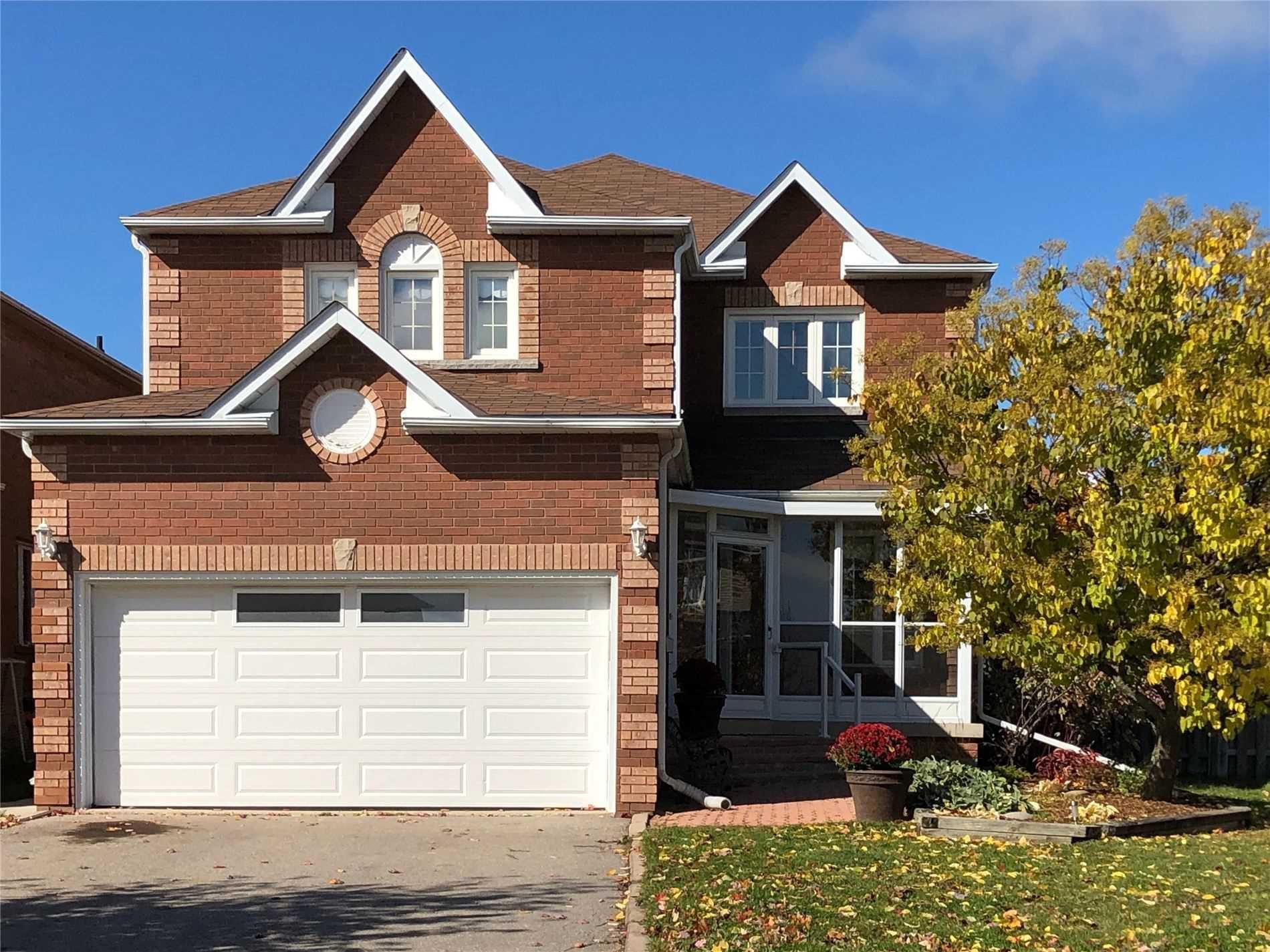 Main Photo: 131 Jordan Drive: Orangeville House (2-Storey) for sale : MLS®# W4611384