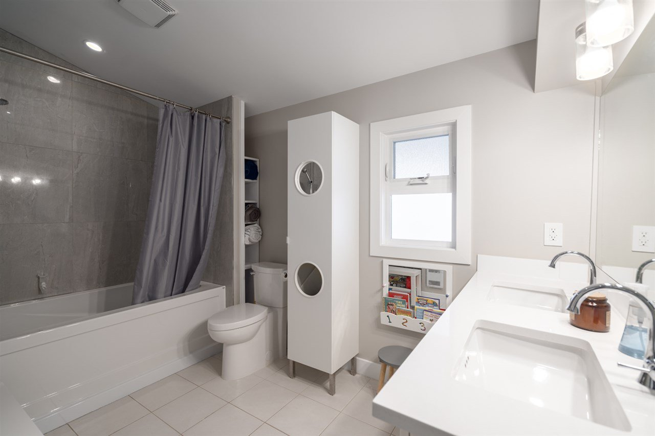 Photo 15: Photos: 4031 VICTORIA DRIVE in Vancouver: Victoria VE House for sale (Vancouver East)  : MLS®# R2429098