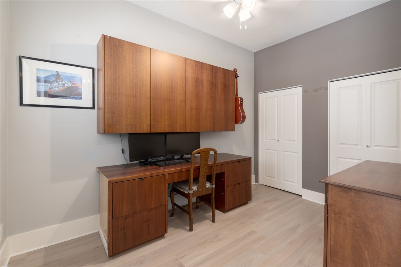 Photo 9: Photos: 4031 VICTORIA DRIVE in Vancouver: Victoria VE House for sale (Vancouver East)  : MLS®# R2429098