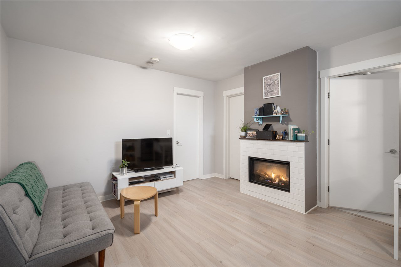Photo 18: Photos: 4031 VICTORIA DRIVE in Vancouver: Victoria VE House for sale (Vancouver East)  : MLS®# R2429098