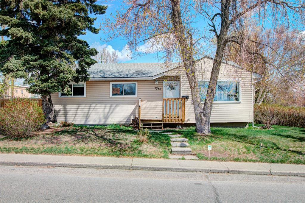 Main Photo: 7743 FLEETWOOD Drive SE in Calgary: Fairview Detached for sale : MLS®# A1009160