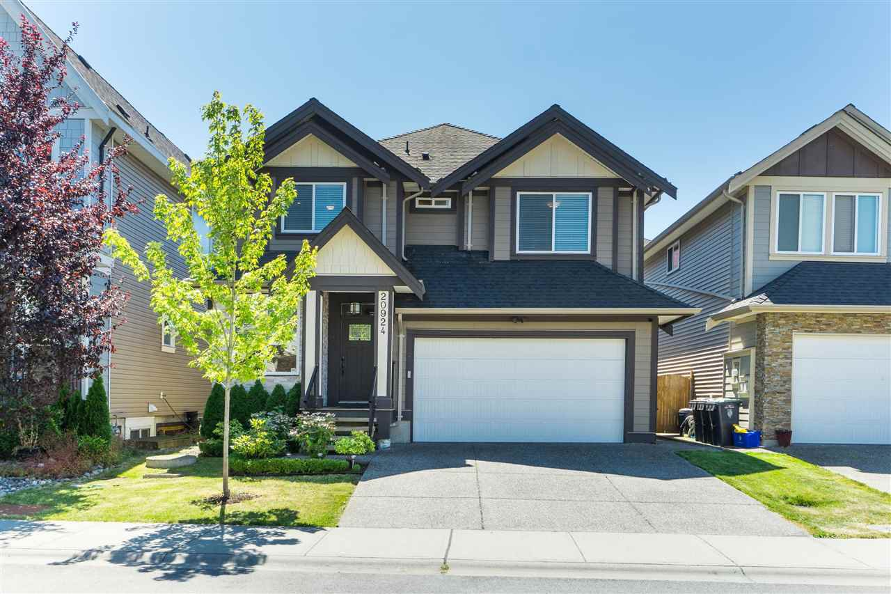 """Main Photo: 20924 81 Avenue in Langley: Willoughby Heights House for sale in """"YORKSON"""" : MLS®# R2480786"""