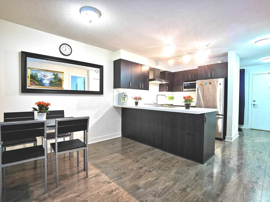 """Main Photo: 216 500 ROYAL Avenue in New Westminster: Downtown NW Condo for sale in """"DOMINION"""" : MLS®# R2502994"""