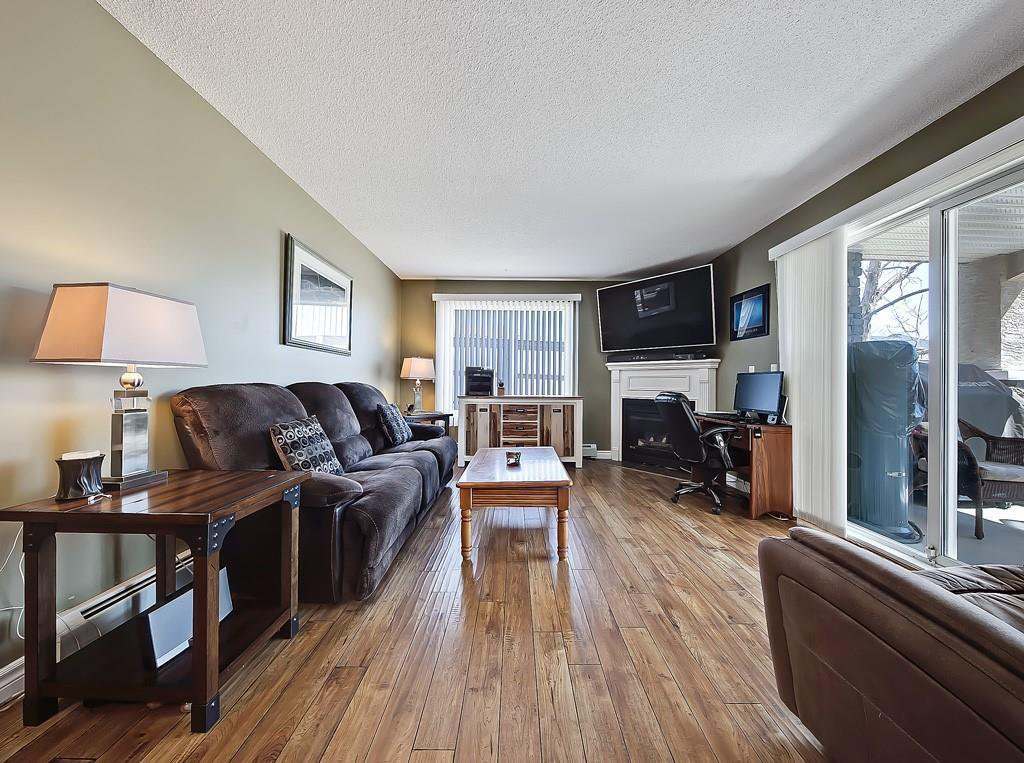 Photo 14: Photos: 112 20 COUNTRY HILLS View NW in Calgary: Country Hills Apartment for sale : MLS®# C4282333