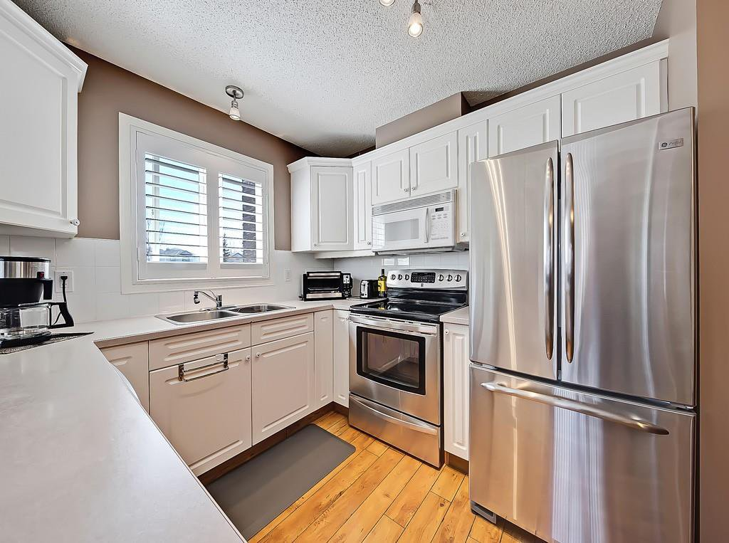 Photo 5: Photos: 112 20 COUNTRY HILLS View NW in Calgary: Country Hills Apartment for sale : MLS®# C4282333