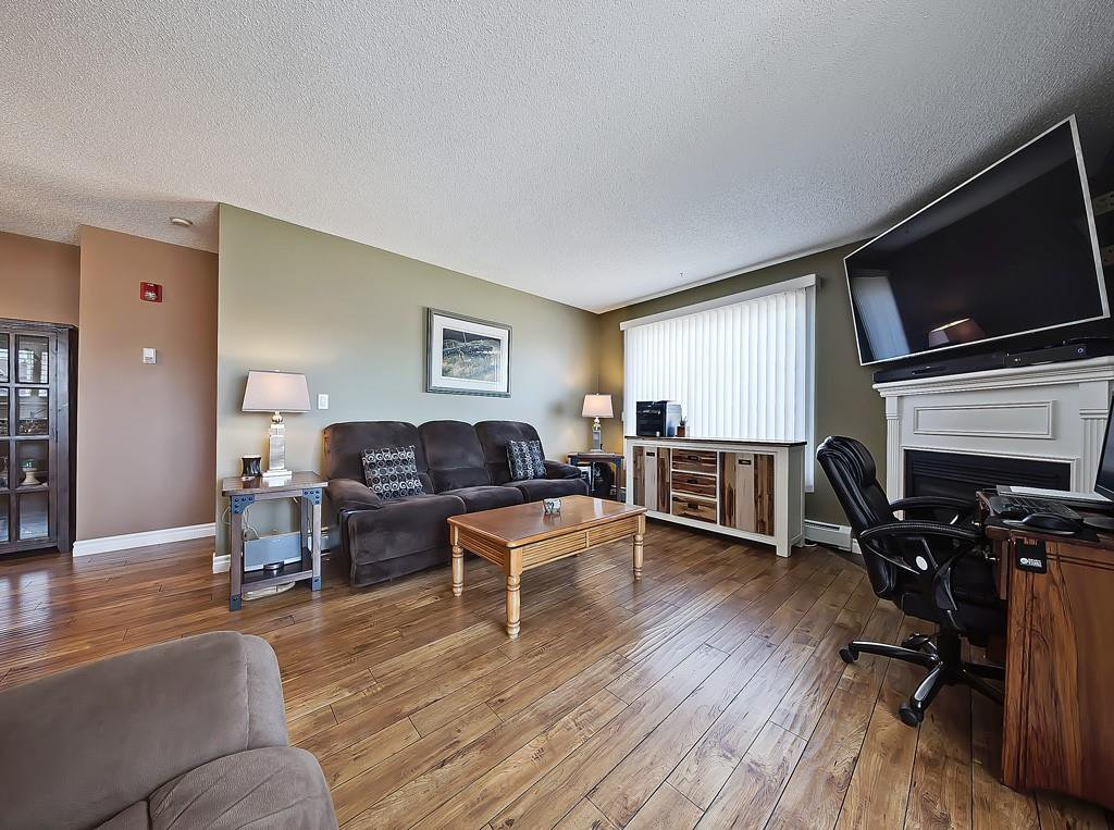 Photo 15: Photos: 112 20 COUNTRY HILLS View NW in Calgary: Country Hills Apartment for sale : MLS®# C4282333