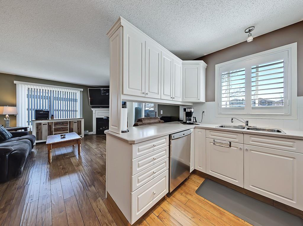 Photo 6: Photos: 112 20 COUNTRY HILLS View NW in Calgary: Country Hills Apartment for sale : MLS®# C4282333