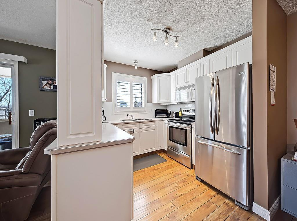 Photo 3: Photos: 112 20 COUNTRY HILLS View NW in Calgary: Country Hills Apartment for sale : MLS®# C4282333