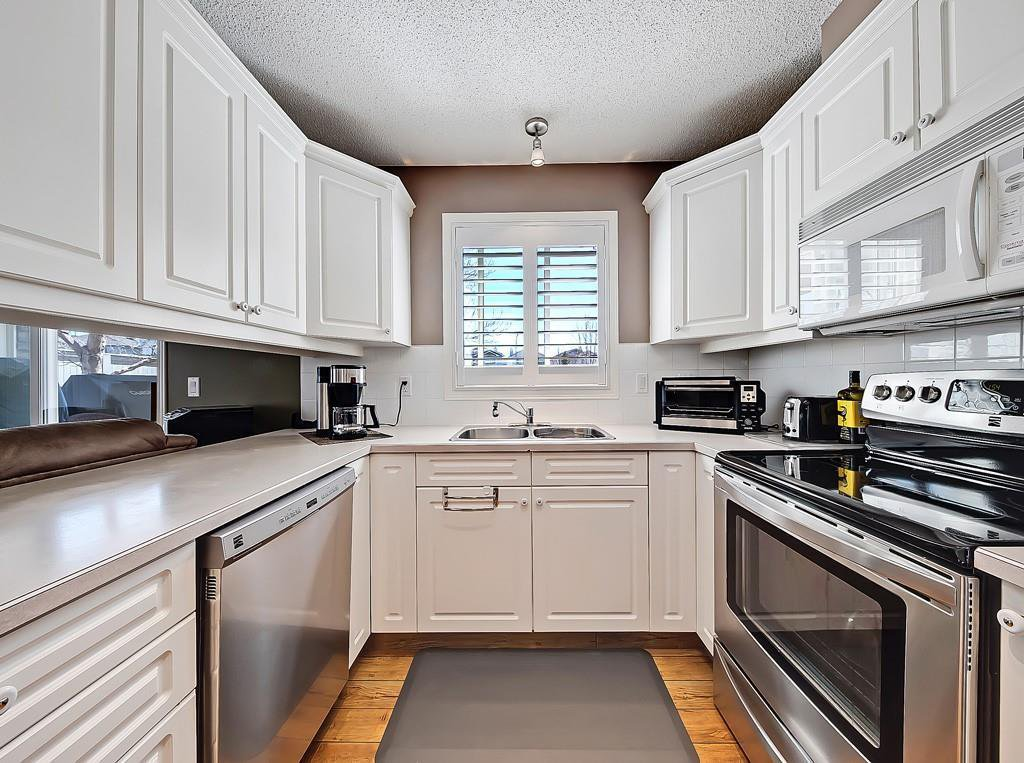 Photo 7: Photos: 112 20 COUNTRY HILLS View NW in Calgary: Country Hills Apartment for sale : MLS®# C4282333