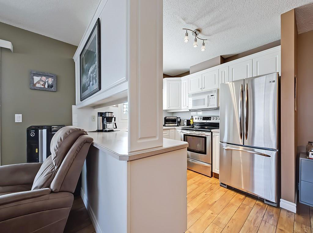 Photo 8: Photos: 112 20 COUNTRY HILLS View NW in Calgary: Country Hills Apartment for sale : MLS®# C4282333