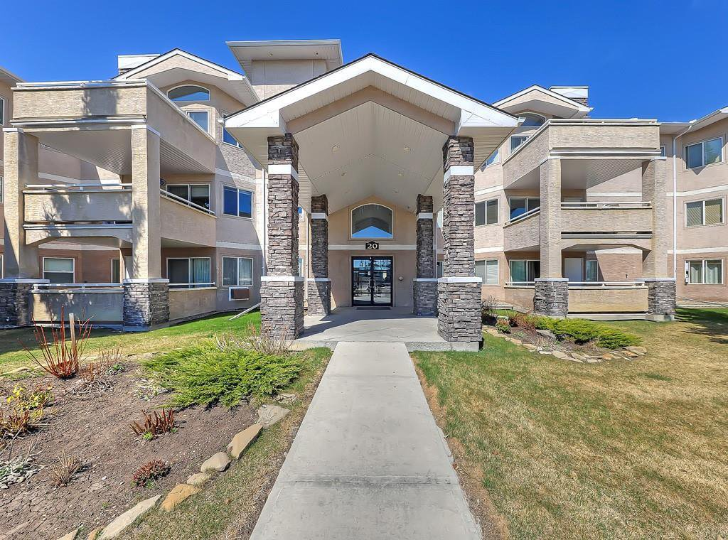 Main Photo: 112 20 COUNTRY HILLS View NW in Calgary: Country Hills Apartment for sale : MLS®# C4282333