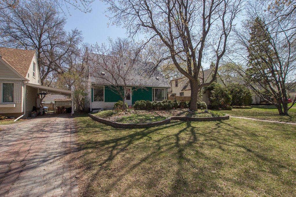 Main Photo: 325 Sharp Boulevard in Winnipeg: Deer Lodge House for sale (5E)  : MLS®# 1912195
