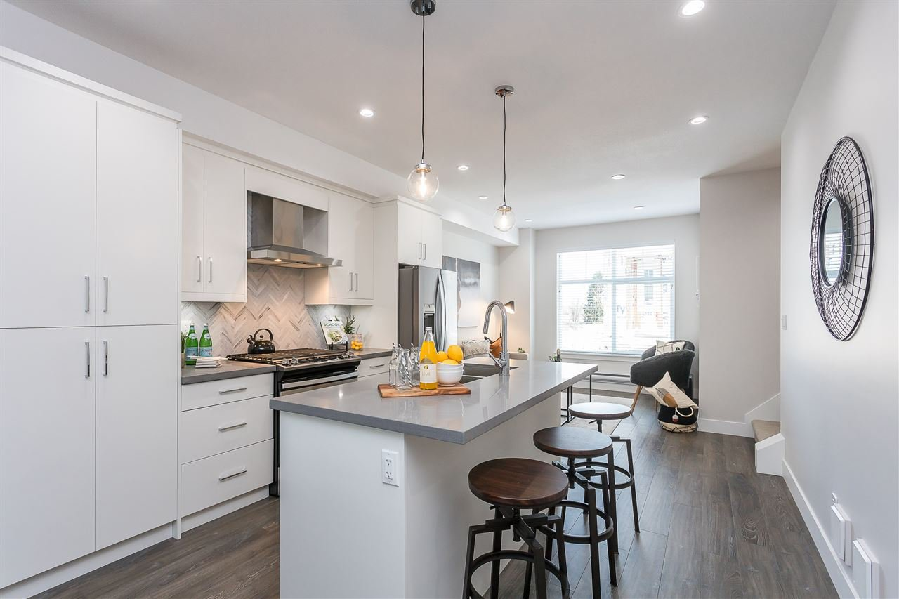 """Photo 5: Photos: 55 14541 WINTER Crescent in Surrey: King George Corridor Townhouse for sale in """"RIVER + PINE"""" (South Surrey White Rock)  : MLS®# R2451527"""