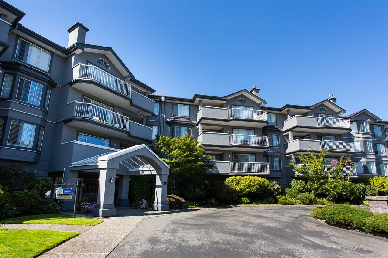 """Main Photo: 114 5375 205 Street in Langley: Langley City Condo for sale in """"Glenmont Park"""" : MLS®# R2461210"""