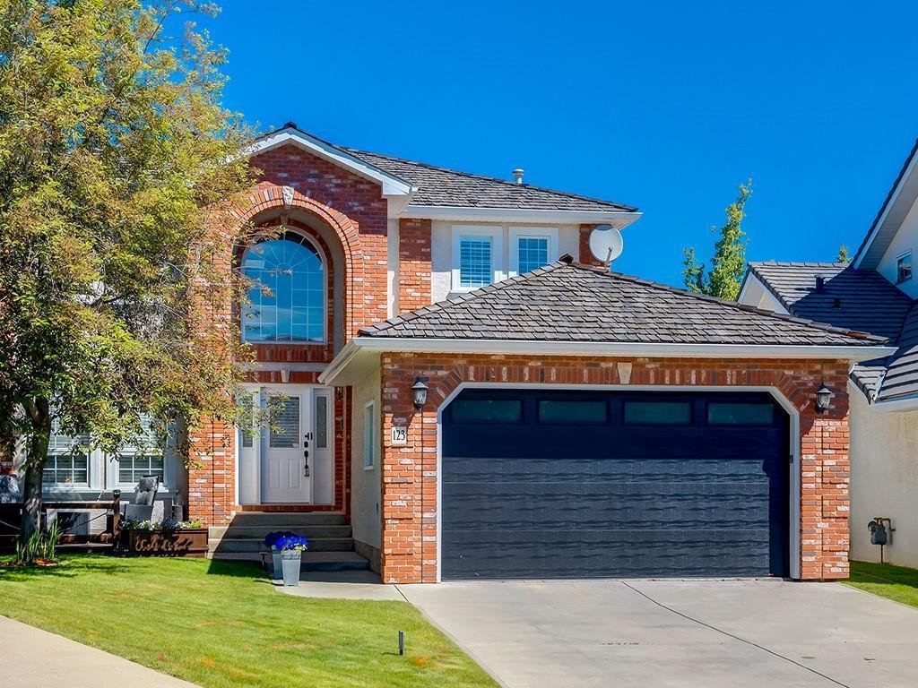 Main Photo: 123 SIGNATURE Terrace SW in Calgary: Signal Hill Detached for sale : MLS®# C4303183