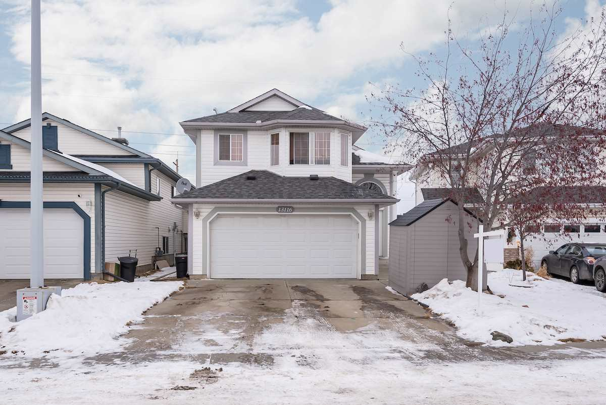 Main Photo: 13116 151 Avenue in Edmonton: Zone 27 House for sale : MLS®# E4223494