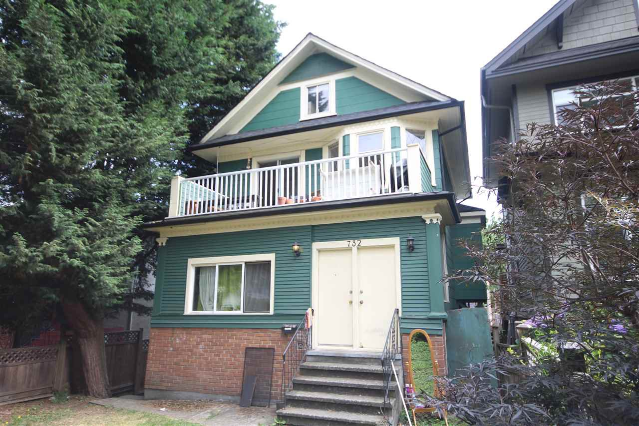 Main Photo: 732 E 10TH Avenue in Vancouver: Mount Pleasant VE House Triplex for sale (Vancouver East)  : MLS®# R2401960