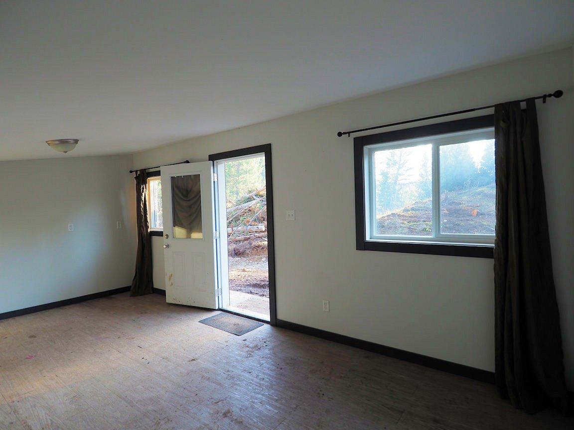 Photo 11: Photos: LOT E PARK Place: Lac la Hache Land for sale (100 Mile House (Zone 10))  : MLS®# R2415507