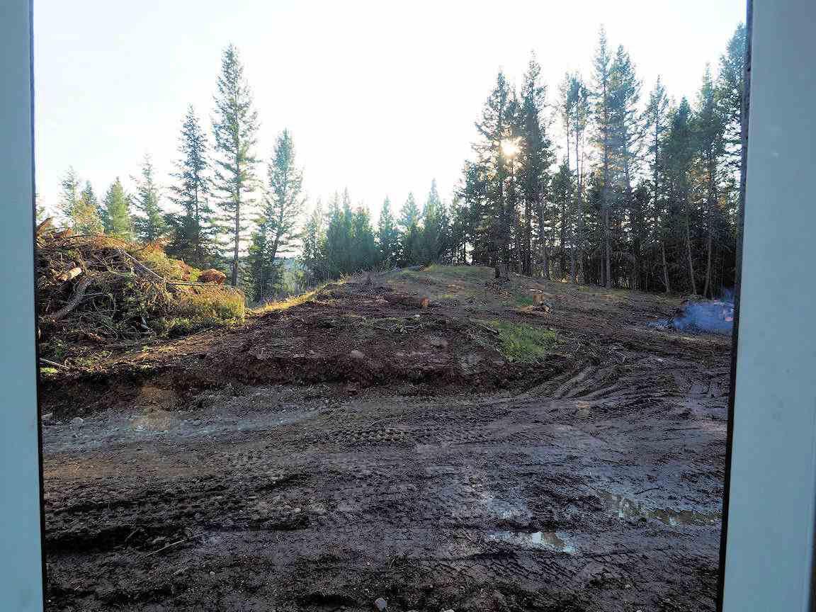 Photo 9: Photos: LOT E PARK Place: Lac la Hache Land for sale (100 Mile House (Zone 10))  : MLS®# R2415507