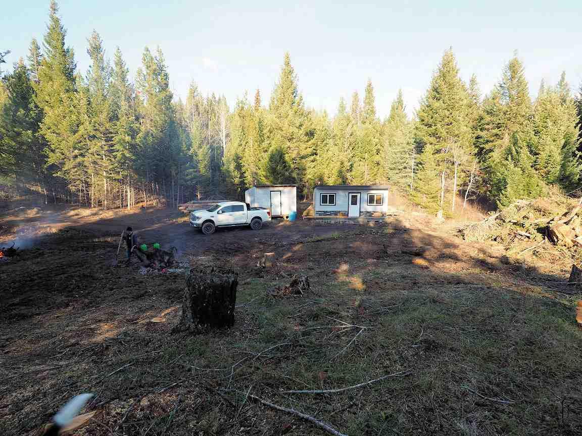 Photo 1: Photos: LOT E PARK Place: Lac la Hache Land for sale (100 Mile House (Zone 10))  : MLS®# R2415507
