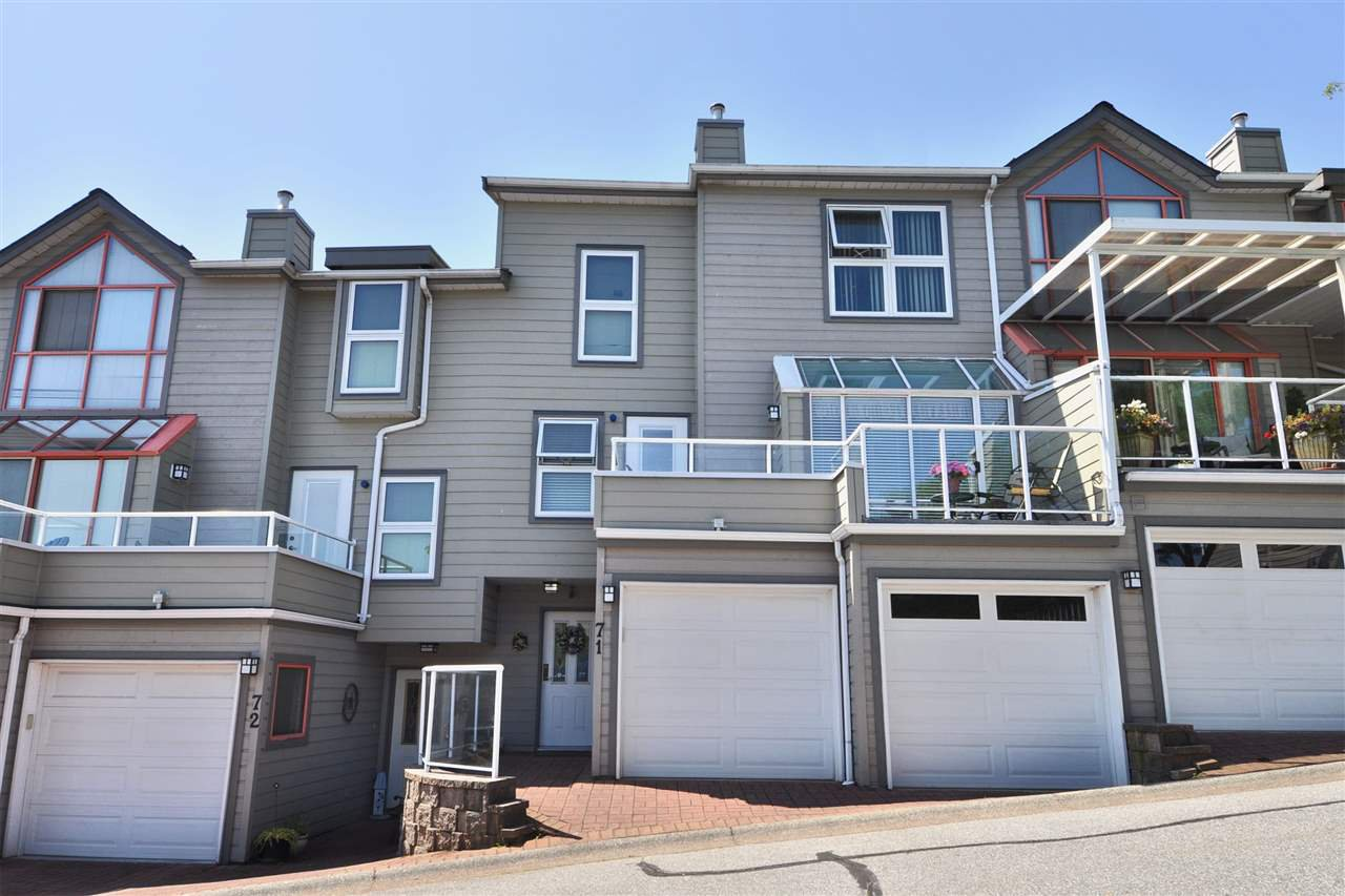 Photo 2: Photos: 71 323 GOVERNORS COURT in New Westminster: Fraserview NW Townhouse for sale : MLS®# R2395790