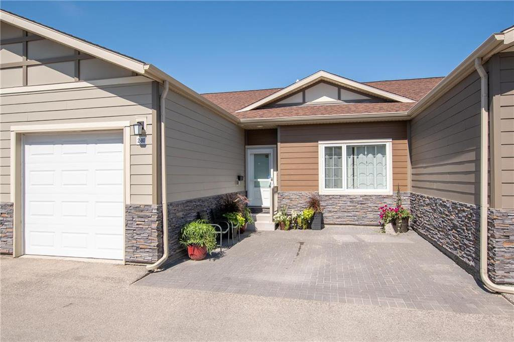 Photo 1: Photos: 2 80 Sandrington Drive in Winnipeg: Condominium for sale (2E)  : MLS®# 202021038