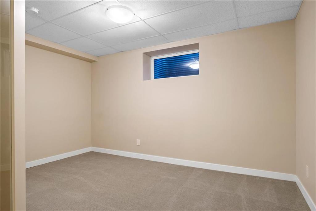 Photo 17: Photos: 2 80 Sandrington Drive in Winnipeg: Condominium for sale (2E)  : MLS®# 202021038