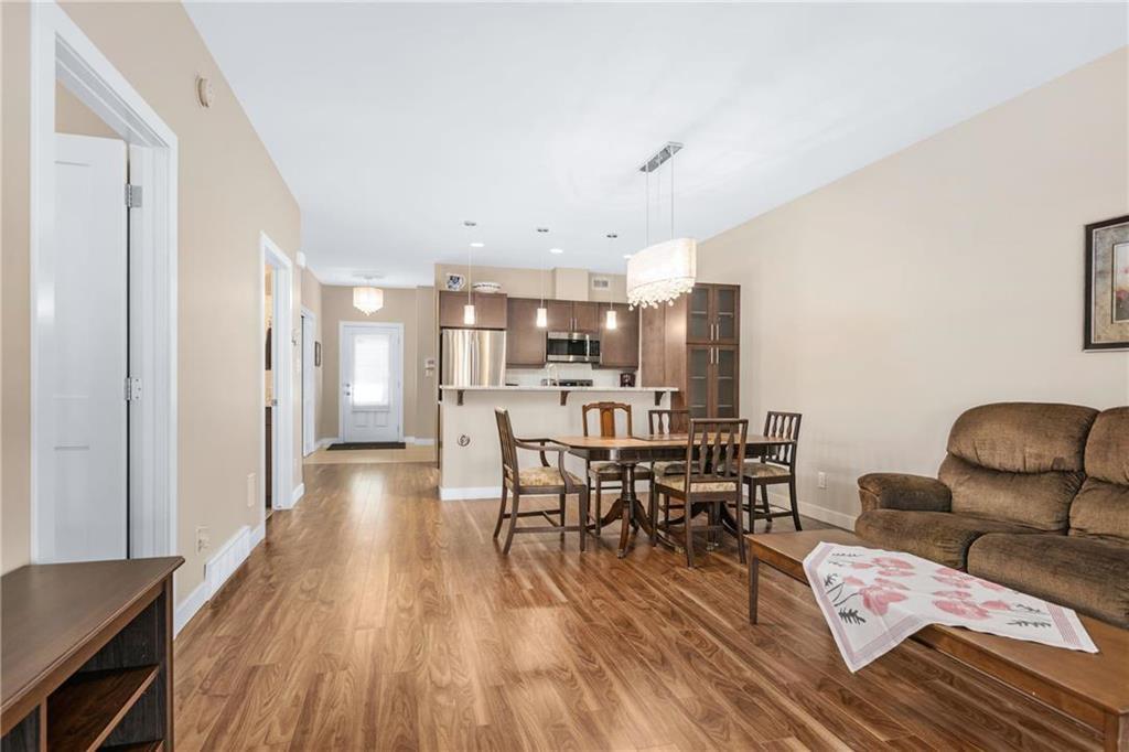 Photo 6: Photos: 2 80 Sandrington Drive in Winnipeg: Condominium for sale (2E)  : MLS®# 202021038
