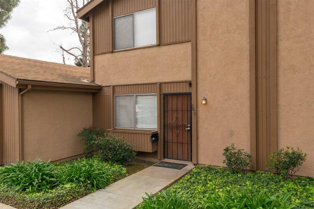 Main Photo: UNIVERSITY CITY Condo for sale : 3 bedrooms : 7855 Camino Noguera in San Diego