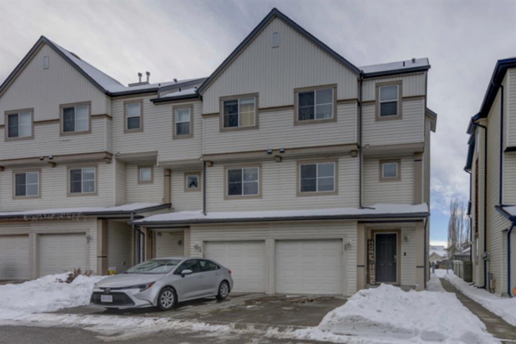Main Photo: 17 Copperfield Court SE in Calgary: Copperfield Row/Townhouse for sale : MLS®# A1056969