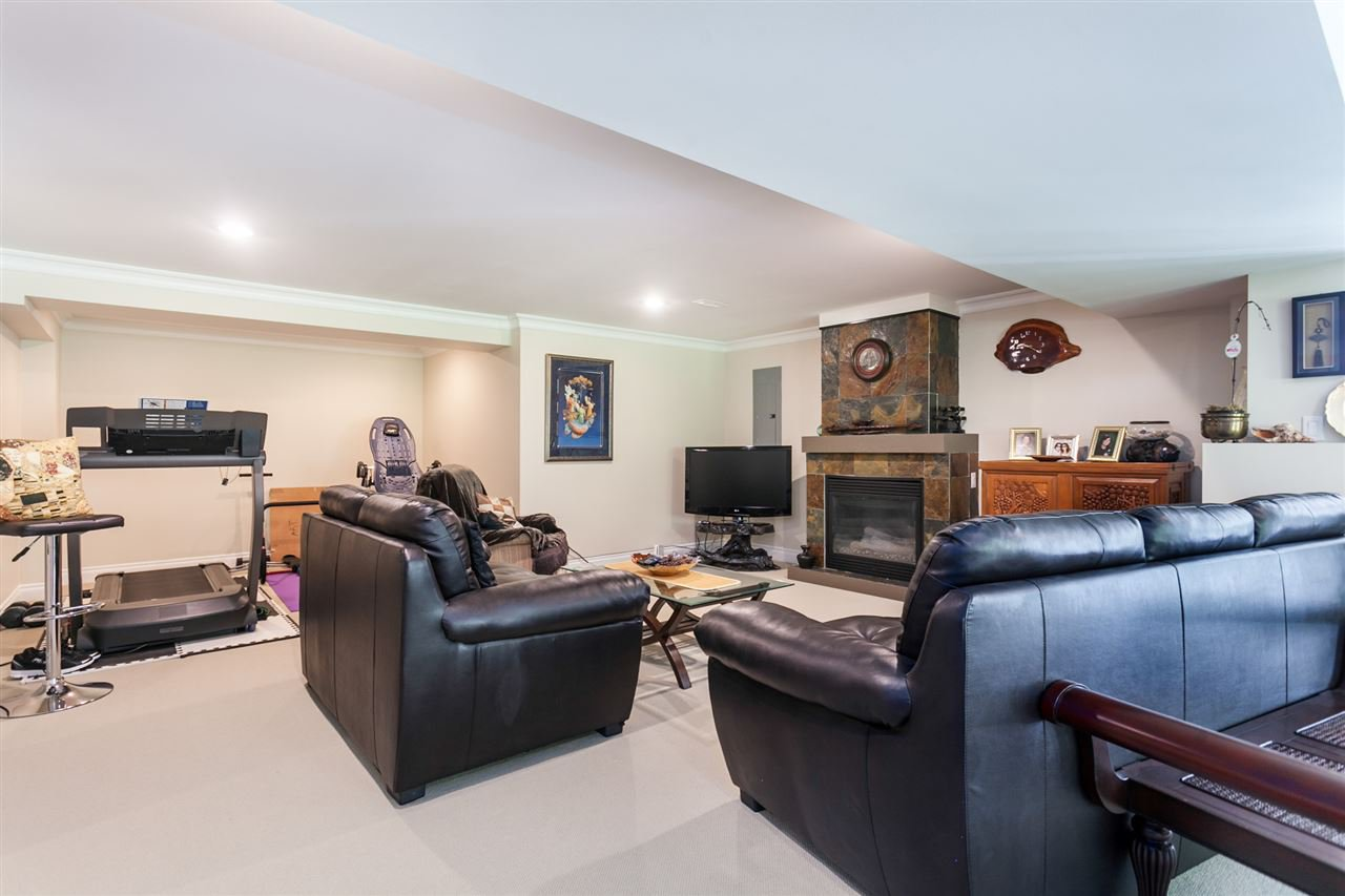 "Photo 17: Photos: 34416 ROCKRIDGE Place in Mission: Hatzic House for sale in ""ROCKRIDGE ESTATES"" : MLS®# R2410764"