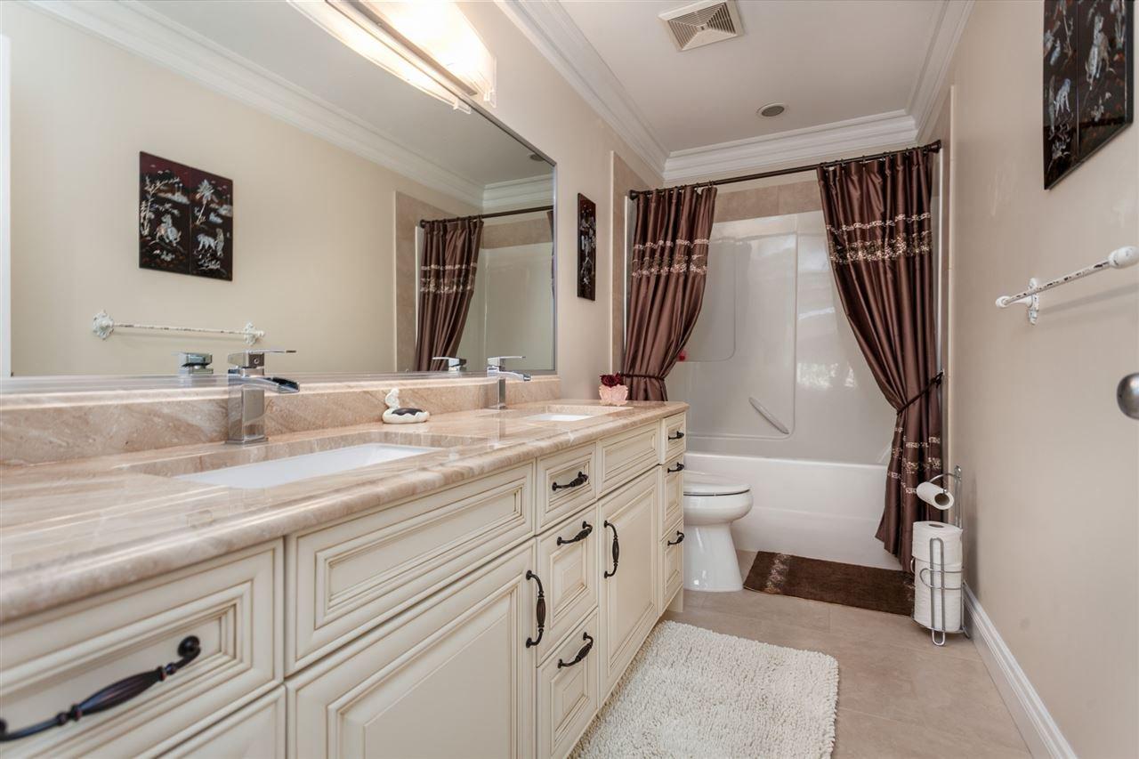 "Photo 14: Photos: 34416 ROCKRIDGE Place in Mission: Hatzic House for sale in ""ROCKRIDGE ESTATES"" : MLS®# R2410764"