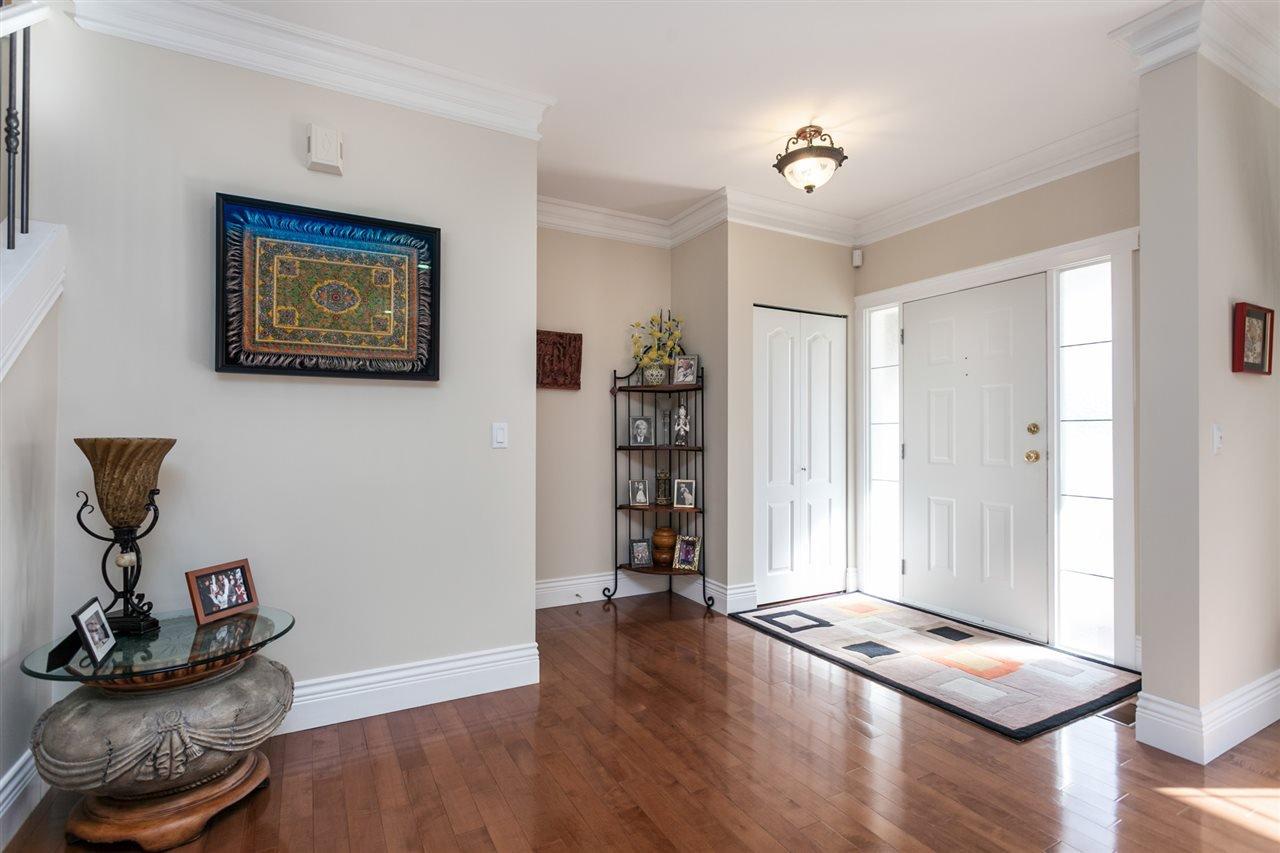 "Photo 2: Photos: 34416 ROCKRIDGE Place in Mission: Hatzic House for sale in ""ROCKRIDGE ESTATES"" : MLS®# R2410764"