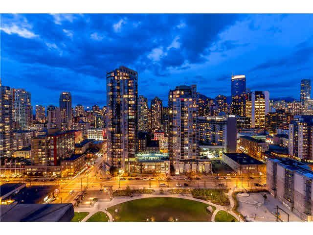 Main Photo: PH2 1188 RICHARDS Street in Vancouver: Yaletown Condo for sale (Vancouver West)  : MLS®# R2440878